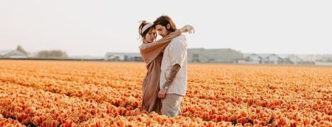 Среди поля тюльпанов в Париже: Дорофеева показала, как отпраздновала 29-й день рождения
