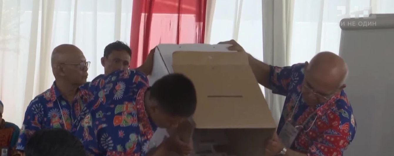 В Индонезии во время подсчета голосов на выборах умерло более 90 человек