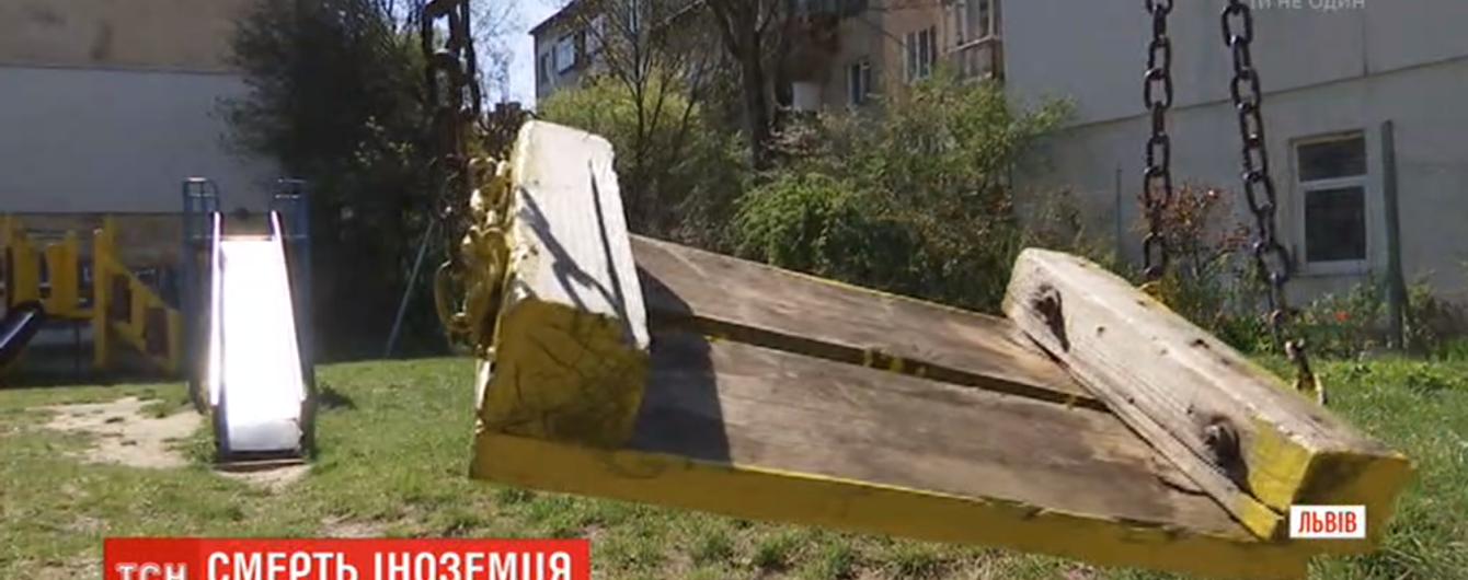 Во Львове после конфликта с женщиной повесился иностранец. С украинкой познакомился в интернете