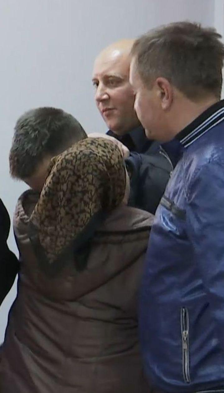 20-летнего парня, который тяжело травмировал полицейскую, арестовали на 2 месяца