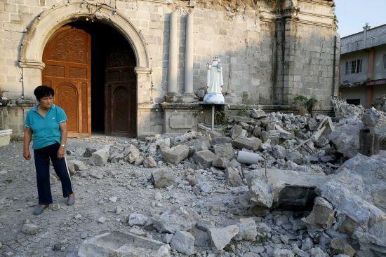 Жертвами потужних землетрусів на Філіппінах стали щонайменше 15 людей: чи є хтось під завалами - невідомо