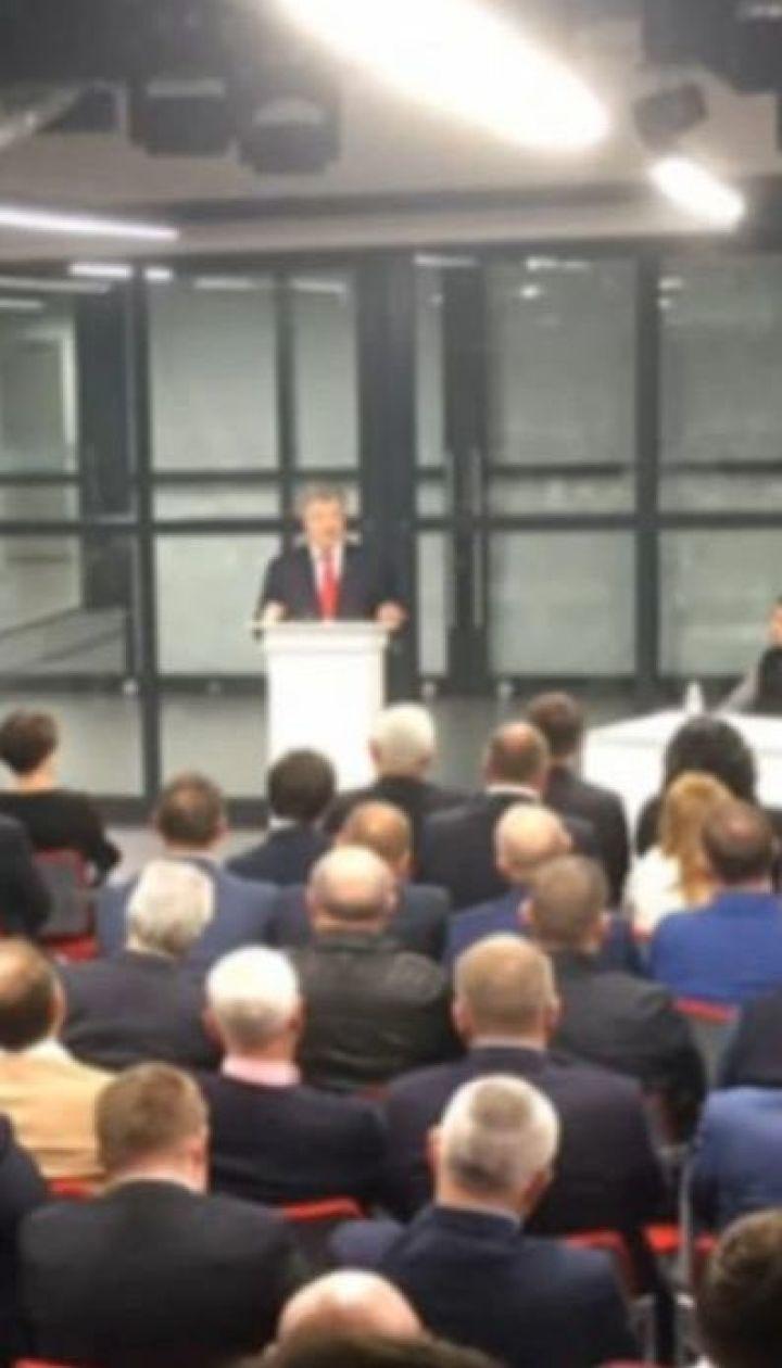 Порошенко анонсував появу нових облич у своїй команді перед парламентськими виборами
