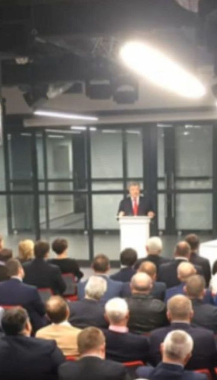 Порошенко анонсировал появление новых лиц в своей команде перед парламентскими выборами