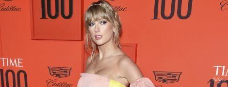 Какой нежный образ: Тейлор Свифт в платье за 6500 тысяч долларов приехала на светский прием