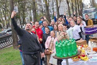 Социальная акция агентства Тошонадо: в День Земли в центре Киева высадили полсотни деревьев
