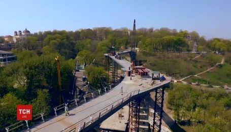 Ко Дню Киева планируют открыть мост для прогулок