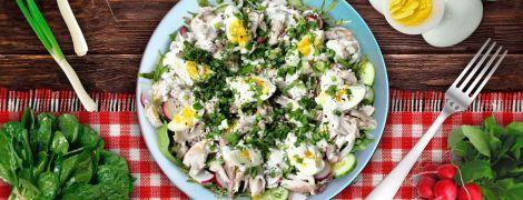 Весенний салат с копченой скумбрией