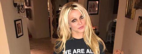 Похудела из-за стресса: Бритни Спирс взялась за гантели после выхода из психбольницы