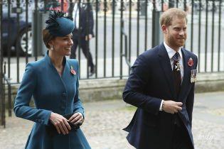 В красивом пальто и в компании принца Гарри: герцогиня Кембриджская на службе в Вестминстерском аббатстве