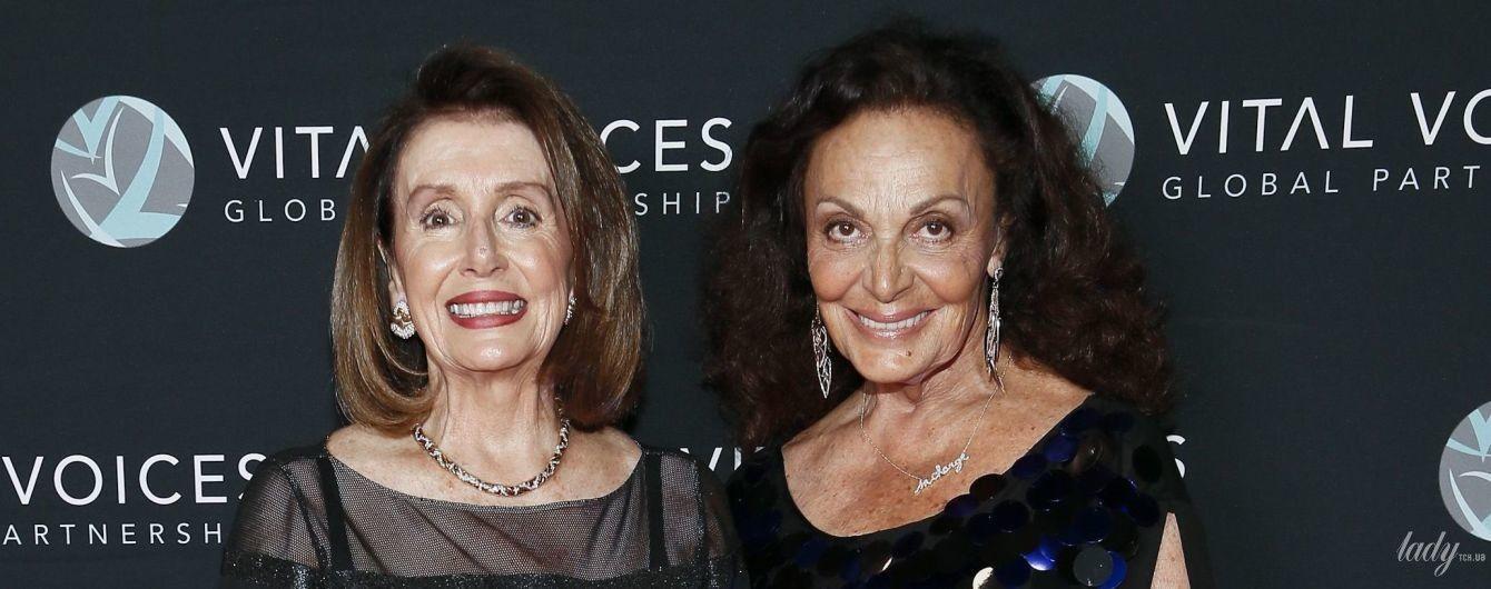 Спікер Палати представників США Ненсі Пелосі одягла на премію вечірню сукню з прозорою вставкою