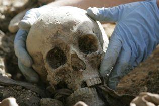 Перевернувся у могилі. Учені з'ясували, що після смерті людські тіла продовжують рухатися