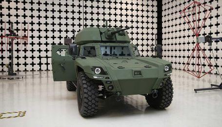 Турецкие оружейники представили военный электроброневик