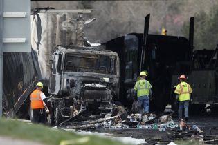 В масштабном огненном ДТП в США столкнулись 28 машин: четыре человека погибли