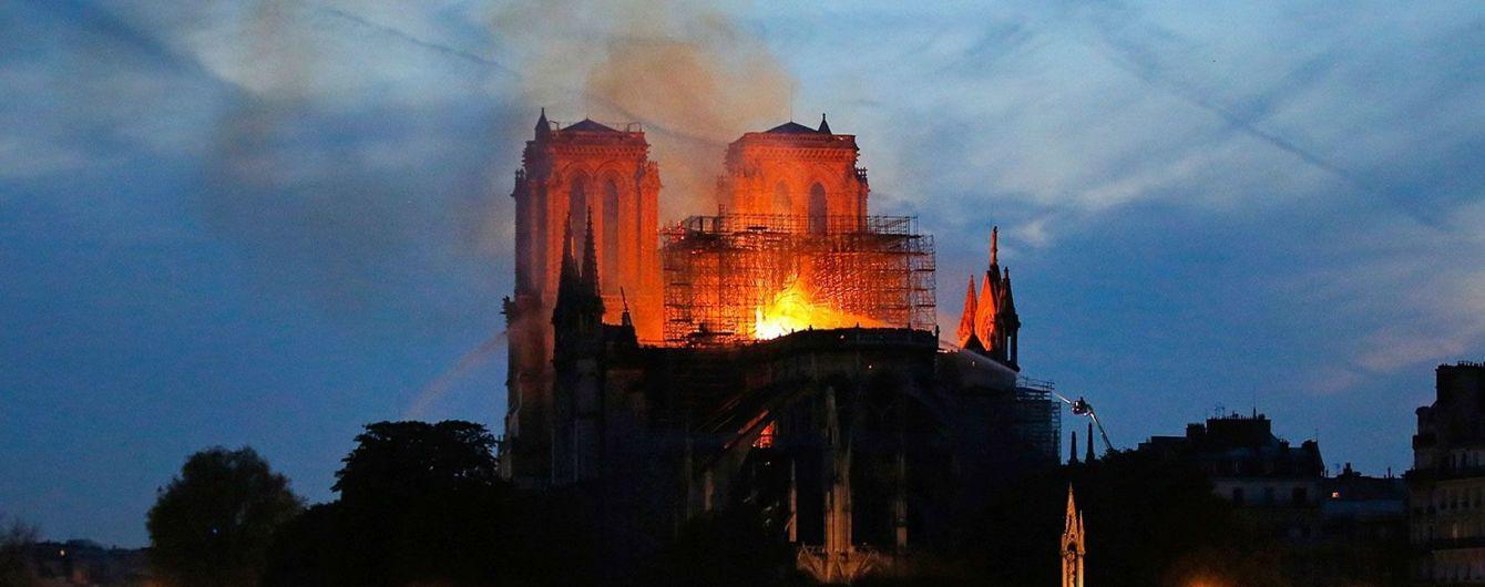 После пожара в Нотр-Даме в жилищах мог осесть свинец, парижан предупреждают об угрозе