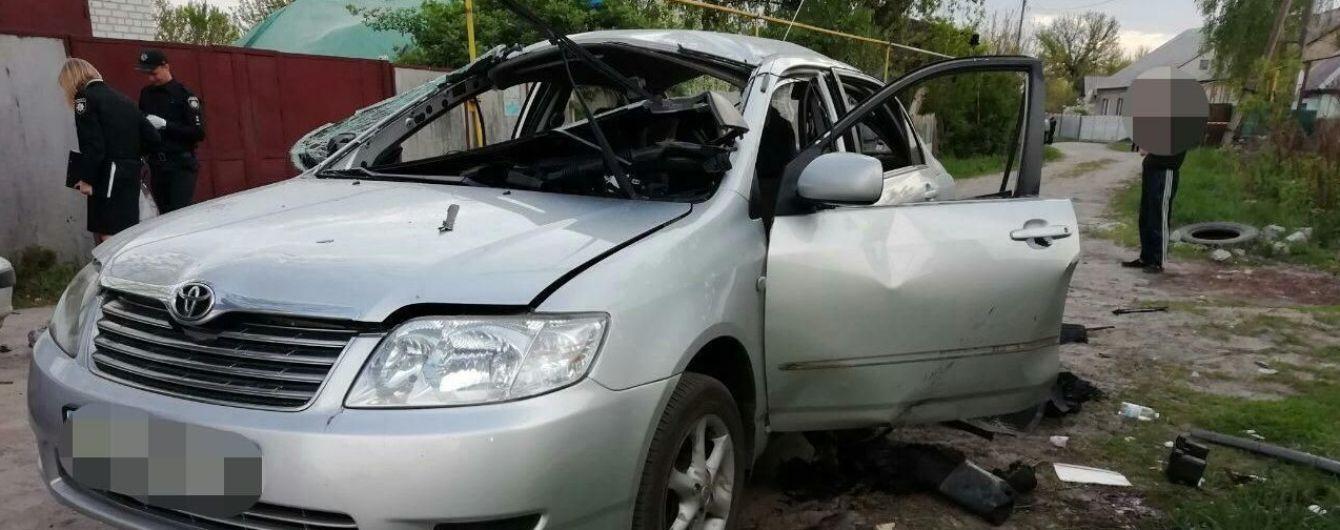В Харькове злоумышленник бросил гранату в окно автомобиля, водителя госпитализировали в тяжелом состоянии