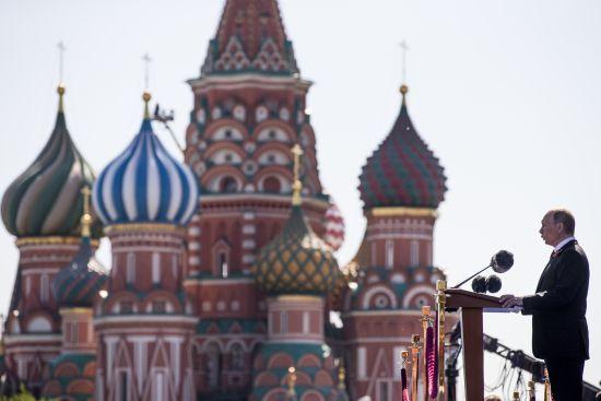 """У Кремлі прокоментували ідею перейменування посади """"президента"""" на """"верховного правителя"""""""