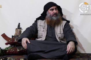 """В Сети появилось первое с 2014 года видео с главарем """"ИГ"""" аль-Багдади"""
