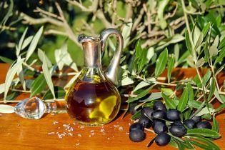 Моторне мастило з ароматизаторами: що українцям продають замість оливкової олії та як відрізнити фальсифікат