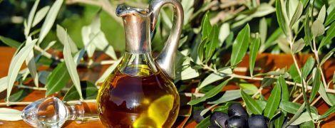 Моторное масло с ароматизаторами: что украинцам продают вместо оливкового масла и как отличить фальсификат
