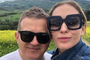 В джинсах и с мужем: Катя Осадчая наслаждается отдыхом в Италии