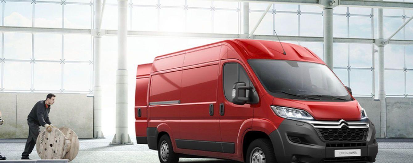 Фургони Peugeot Boxer і Citroen Jumper отримають електричну версію
