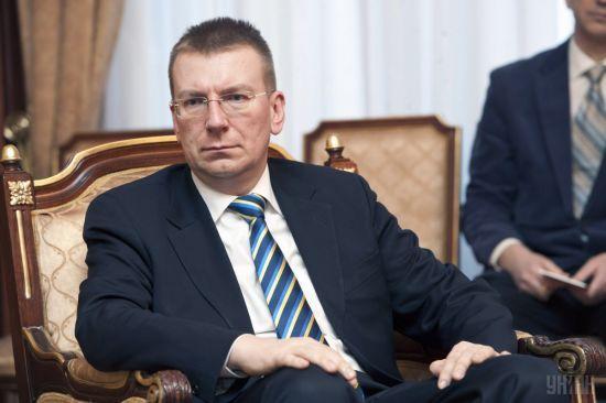 """""""Тиха анексія"""". У Латвії відреагували на видачу російських паспортів жителям ОРДЛО"""