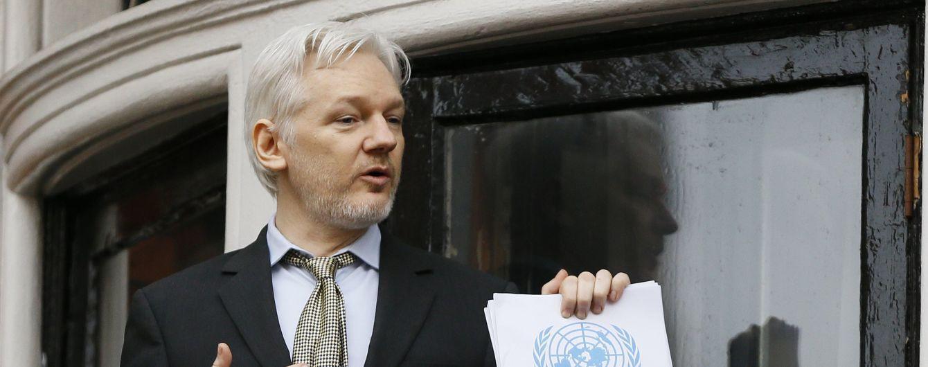 Суд в Швеции отказался требовать экстрадиции Ассанжа