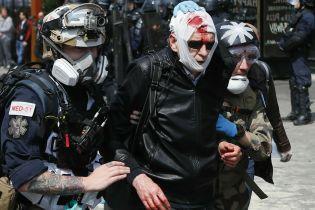 Первомайская Франция: в Париже произошли столкновения между полицией и митингующими