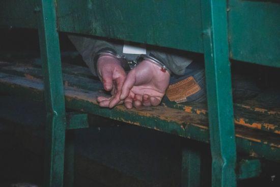 У Києві чоловік напідпитку порізав правоохоронця ножем, втікаючи від переслідування поліції - ЗМІ