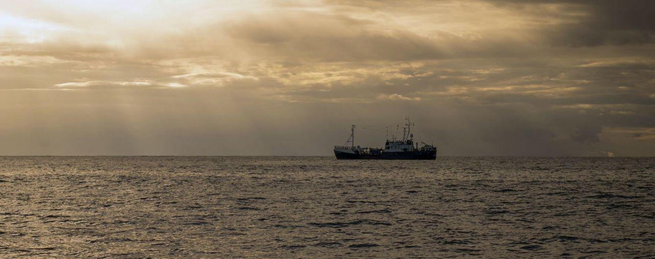 Мальтийские военные взяли под контроль танкер в Средиземном море, который захватили мигранты