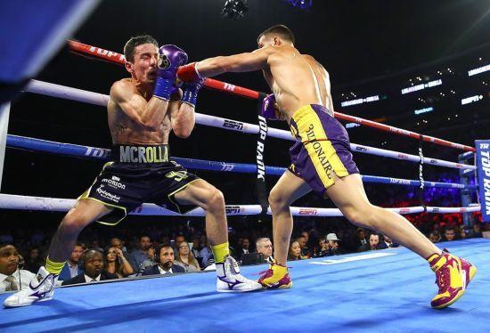 WBA визнала нокаут Ломаченка в бою з Кроллою найкращим у місяці