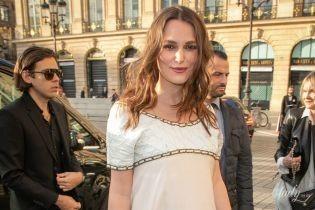 Таки беременна: Кира Найтли продемонстрировала округлившийся живот на вечеринке Chanel