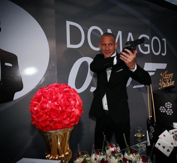 Домагой Віда, Агент 007