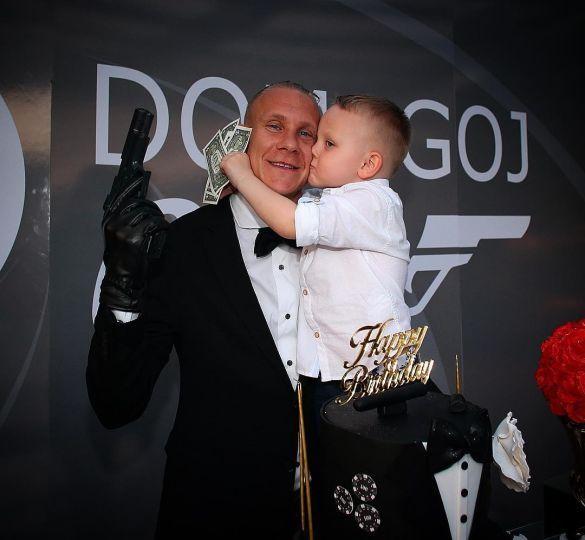 Домагой Віда з сином