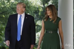 У зеленій сукні і туфлях з квітковим принтом: новий жіночний образ Меланії Трамп