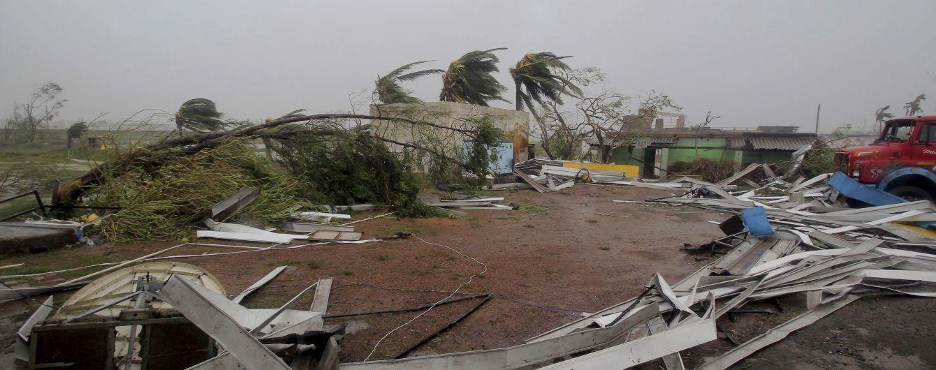 """Количество жертв мощного циклона """"Фани"""" в Индии достигло 34"""