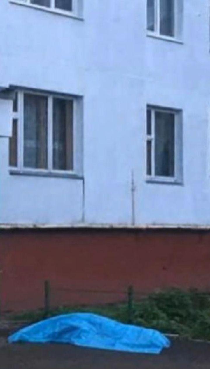 15-летняя девушка выпрыгнула из окна многоэтажки во Львовской области