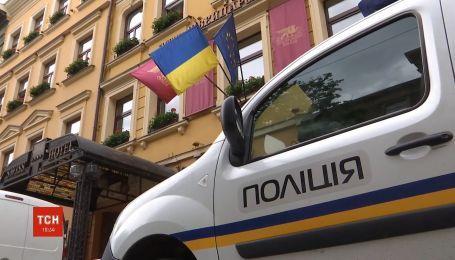 """Волна """"минирований"""" во Львове: аноним сообщил о заложенной взрывчатке в 8 зданиях"""