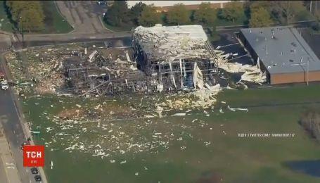 В американском штате Иллинойс взлетело в воздух здание химзавода
