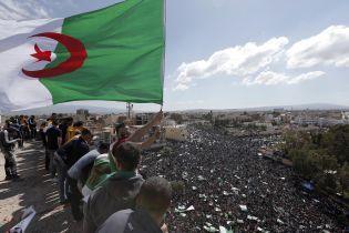 В Алжире арестовали брата президента страны - СМИ
