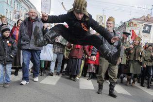 """В Казахстане решили отказаться от акции """"Бессмертный полк"""". Но пока в одном городе"""