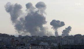 """""""Ракетні обстріли повинні негайно припинитися"""": Україна засудила загострення на Близькому Сході"""
