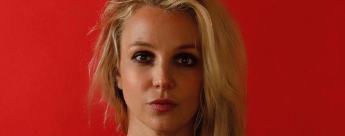Бритни Спирс снялась в новой фотосессии после выхода из психушки