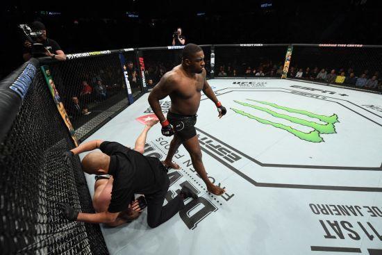 Український боєць невдало дебютував у UFC, його нокаутували за 50 секунд