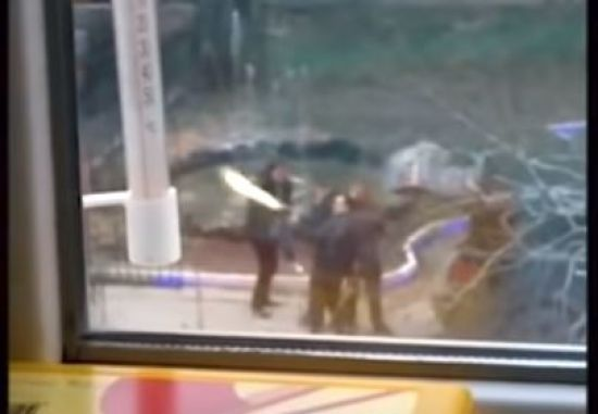 Депутат Держдуми РФ відкрив стрілянину з автомата у дворі багатоповерхівки