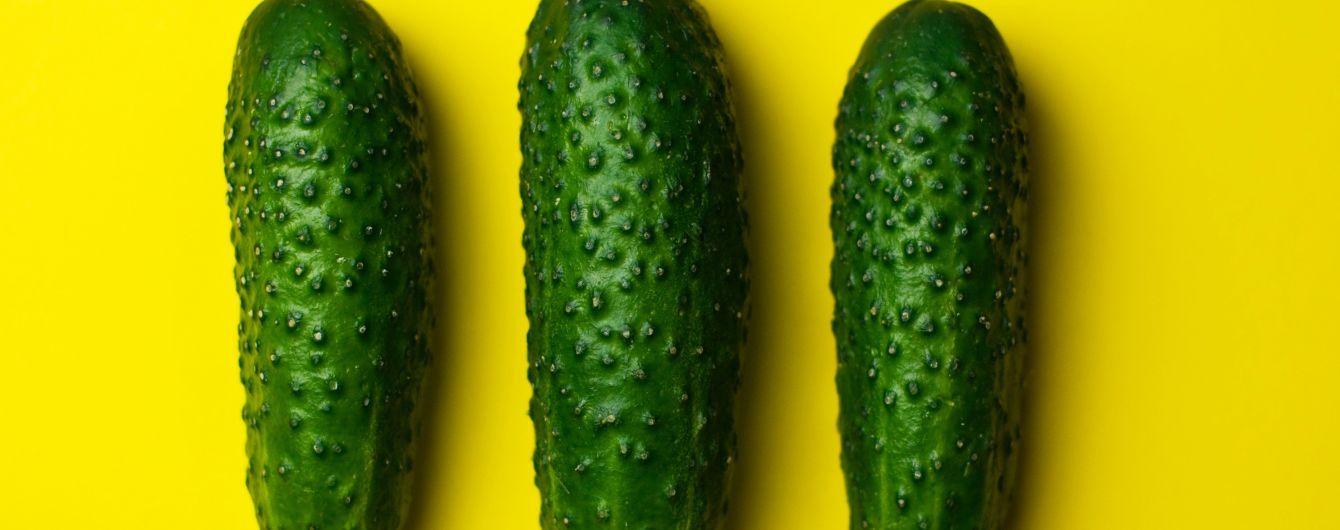 В Україні різко здешевшали тепличні огірки