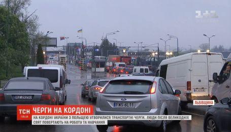 Очередь машин на границе с Польшей растянулась на несколько километров