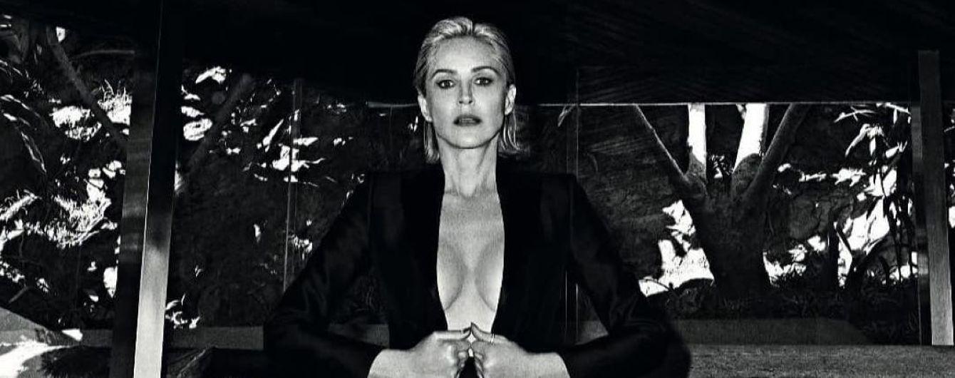 61-летняя Шэрон Стоун засветила обнаженную грудь в пикантной фотосессии