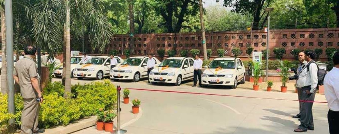 У парламенті Індії встановили перші зарядки для електрокарів