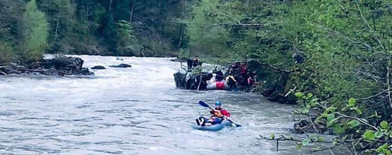 Из-за аварии грузовика с белорусскими туристами задержали второго подозреваемого
